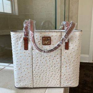 Dooney and bourke tote bag purse leather